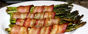 air fryer asparagus in bacon